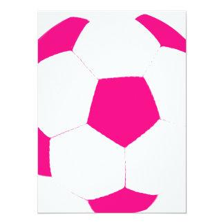 Balón de fútbol rosado y blanco invitación 13,9 x 19,0 cm