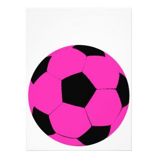 Balón de fútbol rosado y negro invitación personalizada