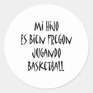 Baloncesto del MI Hijo Es Bien Fregon Jugando Pegatina Redonda
