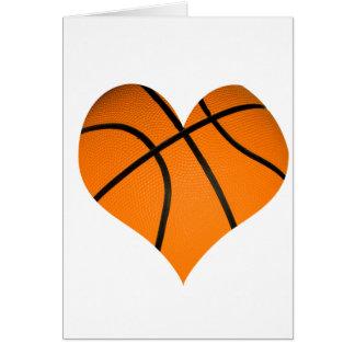 Baloncesto en forma de corazón tarjeta