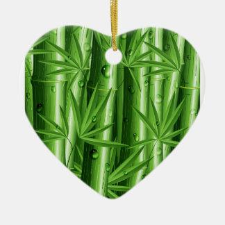 Bambú fresco con el ornamento del rocío ornatos