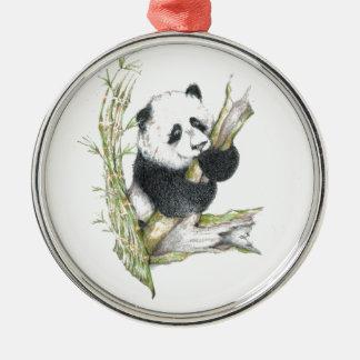 Bambú lindo del dibujo de lápiz del oso de panda adorno redondo plateado