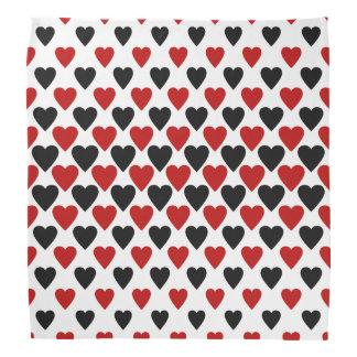 Bandanas negros y rojos de los corazones