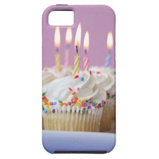 Bandeja de magdalenas del cumpleaños con las velas iPhone 5 carcasa
