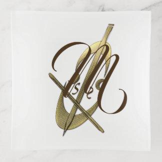 Bandeja elegante del monograma de la suposición