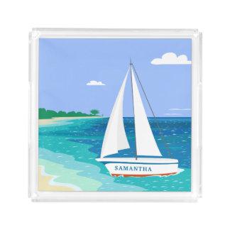 Bandeja tropical costera de la playa del velero