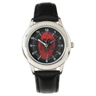 Bandera albanesa de la huella dactilar del tacto reloj de pulsera
