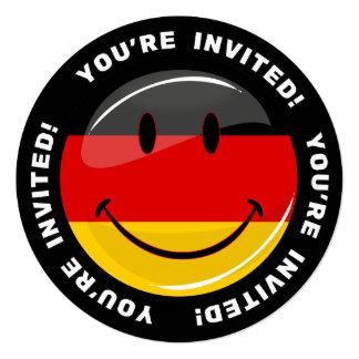 Bandera alemana sonriente invitación 13,3 cm x 13,3cm