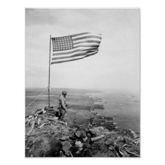 Bandera americana que vuela sobre el soporte póster