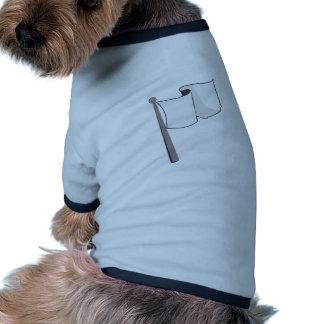 Bandera blanca que agita camiseta con mangas para perro