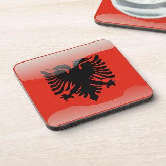 Bandera brillante albanesa posavasos