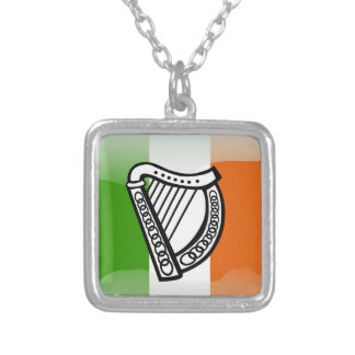 Bandera brillante irlandesa collar plateado