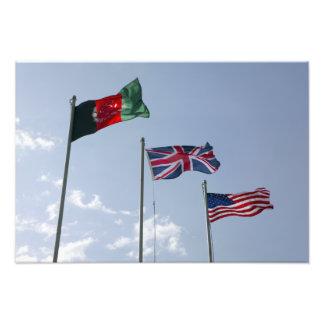 Bandera BRITÁNICA entre el afgano y las banderas d Foto