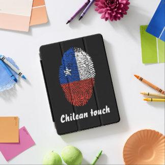 Bandera chilena de la huella dactilar del tacto cubierta de iPad air