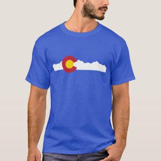 Bandera de Colorado y camisa de las montañas