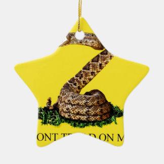 Bandera de Gadsden llena Adorno Navideño De Cerámica En Forma De Estrella