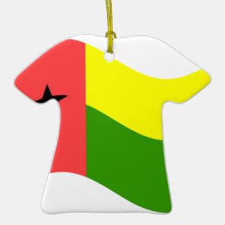 Bandera de Guinea-Bissau que agita Adorno De Cerámica En Forma De Camiseta