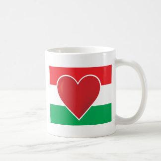 Bandera de Hungría del corazón Taza
