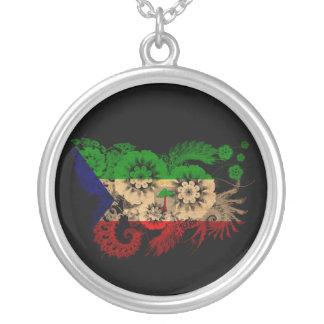 Bandera de la Guinea Ecuatorial Collar Plateado