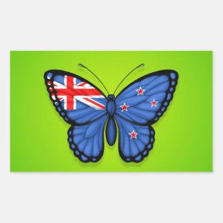 Bandera de la mariposa de Nueva Zelanda en verde Etiquetas