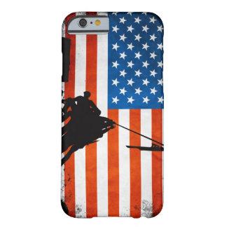 Bandera de los E.E.U.U. con las siluetas de los Funda De iPhone 6 Barely There