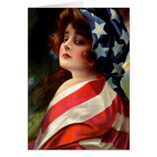Bandera de los E E U U de la mujer el 4 de julio