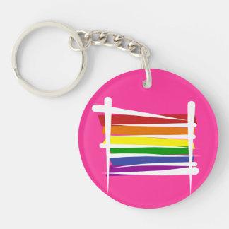 Bandera del cepillo del orgullo gay del arco iris llavero redondo acrílico a doble cara