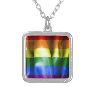 Bandera del orgullo gay collar plateado