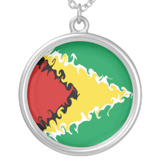 Bandera Gnarly de Guyana Collar Plateado