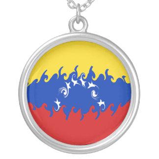 Bandera Gnarly de Venezuela Collar Plateado