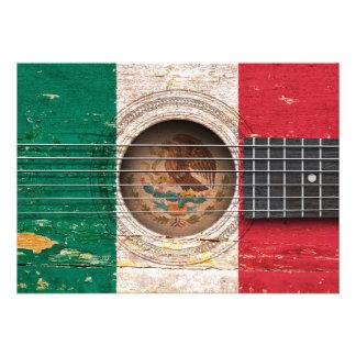 Bandera mexicana en la guitarra acústica vieja invitacion personalizada