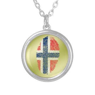 Bandera noruega de la huella dactilar del tacto collar plateado