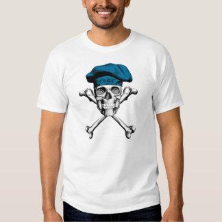 Bandera pirata del cráneo del cocinero: Azul Camiseta