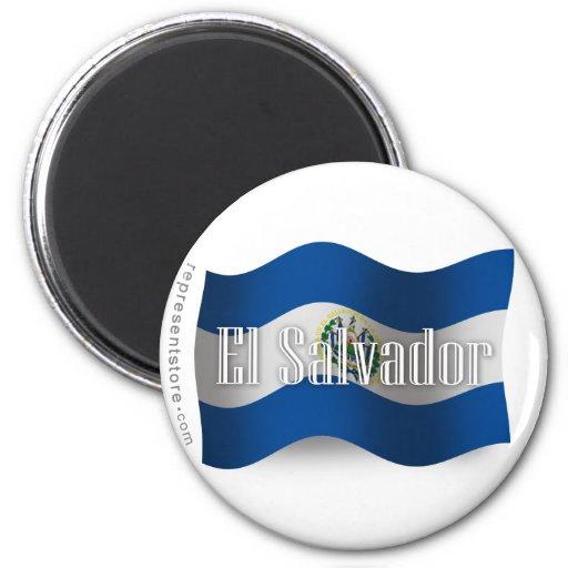 Bandera que agita de El Salvador Imanes De Nevera