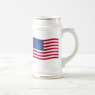 Bandera que agita de los E.E.U.U. Jarra De Cerveza