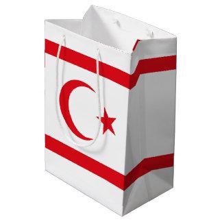 Bandera septentrional de Chipre Bolsa De Regalo Mediana