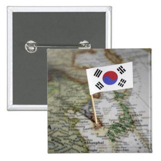 Bandera surcoreana en mapa chapa cuadrada 5 cm