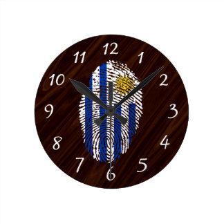 Bandera uruguaya de la huella dactilar del tacto reloj redondo mediano