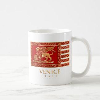 Bandera veneciana taza básica blanca