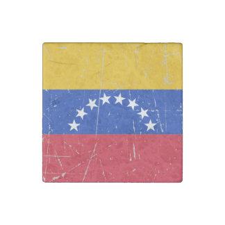 Bandera venezolana rascada y rasguñada imán de piedra