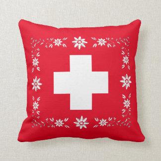 Bandera y edelweiss suizos cojín decorativo