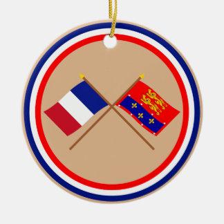 Banderas cruzadas de Francia y de Orne Ornamento Para Arbol De Navidad