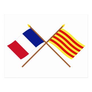 Banderas cruzadas de Francia y de Pyrénées-Orienta Postal