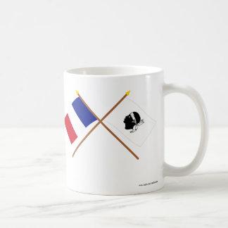 Banderas cruzadas de Francia y del La Corse Tazas De Café