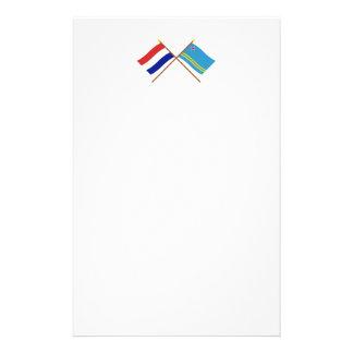 Banderas cruzadas de Holanda y de Aruba Papeleria De Diseño