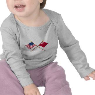 Banderas cruzadas de los E.E.U.U. y del Camiseta