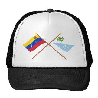 Banderas cruzadas de Venezuela y de Sucre Gorras
