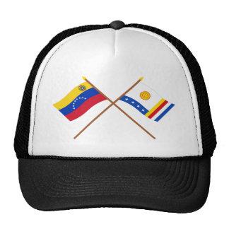 Banderas cruzadas de Venezuela y de Vargas Gorro