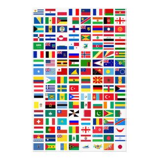 banderas del mundo contra blanco papelería