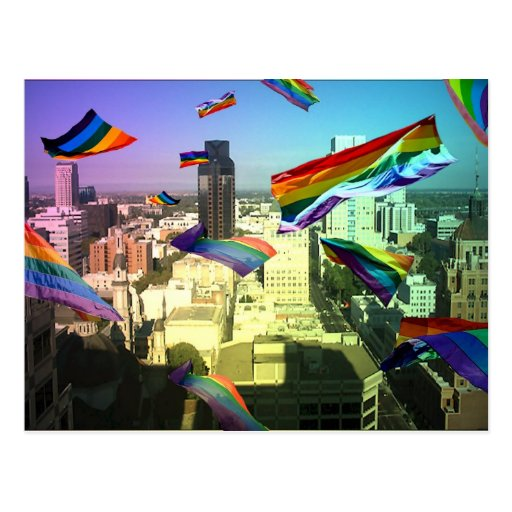 Banderas del orgullo de GLBT sobre las postales de
